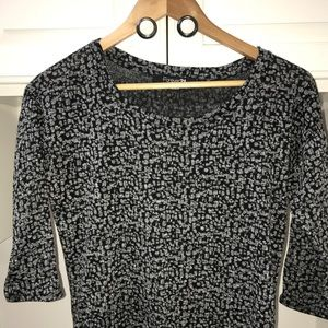 Forever 21 mid sleeve length speckled shirt